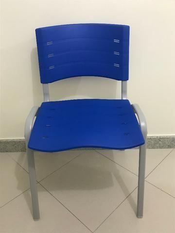 Cadeira New Iso Azul Polipropileno Nova