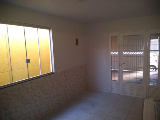 QN 12 Linda Casa Com 03 Quartos, Garagem Coberta!!!