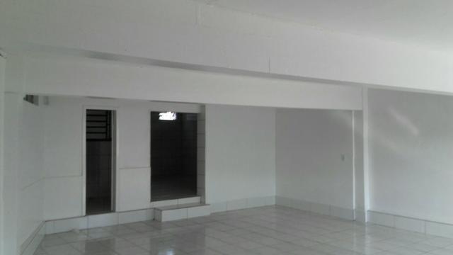 Aluga-se sala comercial + residência - Foto 2