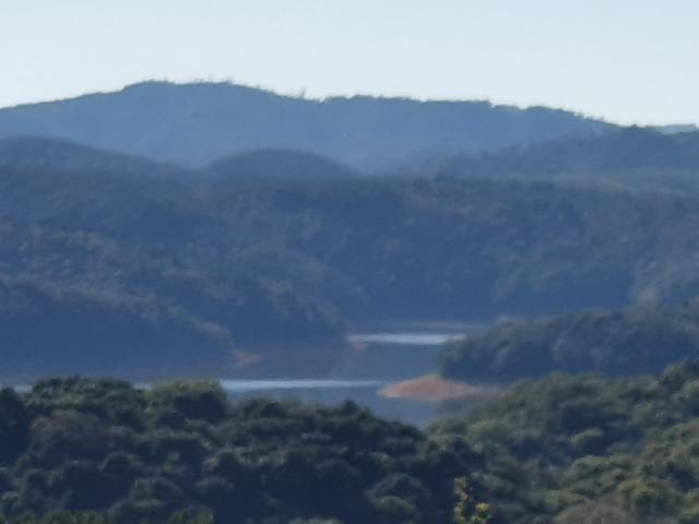 Chácara com linda vista à represa
