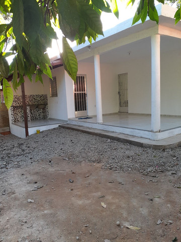 Alugo casa Cachoeira de macacu