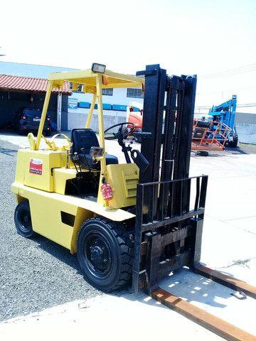 Empilhadeira Clarck   2,5 ton - Foto 2