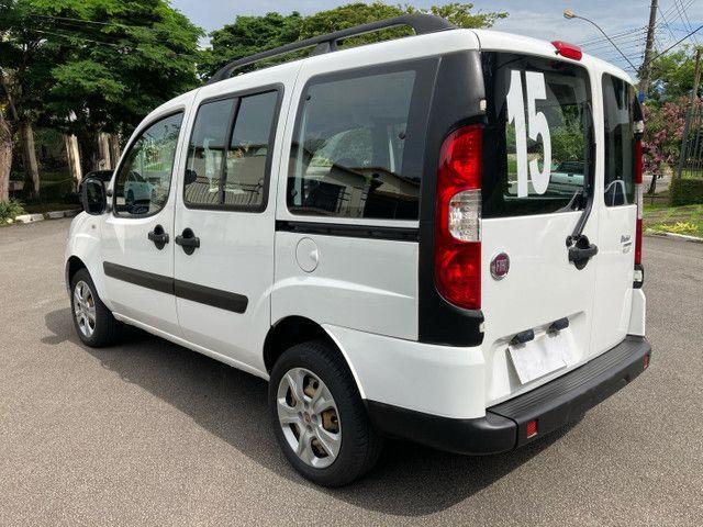 Fiat Doblô Essence 1.8 Flex Manual 2015 (GNV 5ª Geração) - 6 Lugares - Foto 8