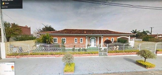 Casa com 03 quartos Vale do Sol na Cidade de Sao Pedro SP.