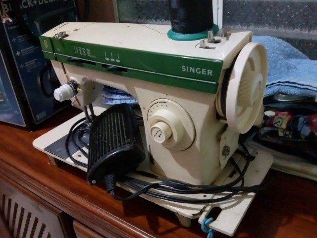Maquina de Costura Singer 966 - Foto 4