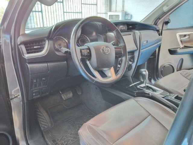 Toyota Hilux SW4 SR 2.7 Flex AUT 2017 - Foto 10
