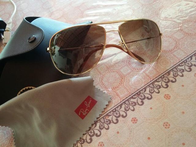 Óculos ray ban semi Novo ->original<- comprado em ótica