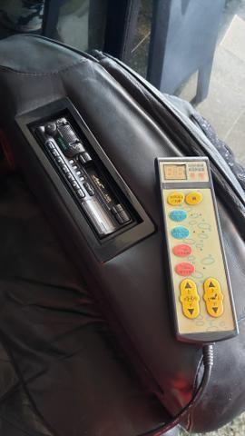 Baratíssima! Poltrona massageadora em couro legítimo - Foto 3