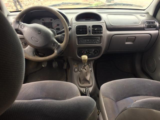 Clio Sedan 2002 - revisado - Foto 11