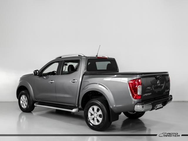Nissan Frontier LE CD 4x4 2.3 Bi-TB Diesel Aut. - Cinza - 2018 - Foto 2