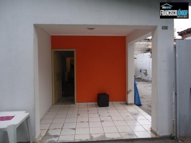 Casa no Setor Coimbra, 3 quartos (1 suíte), ótima localização, encostado no Hiper Moreira - Foto 8
