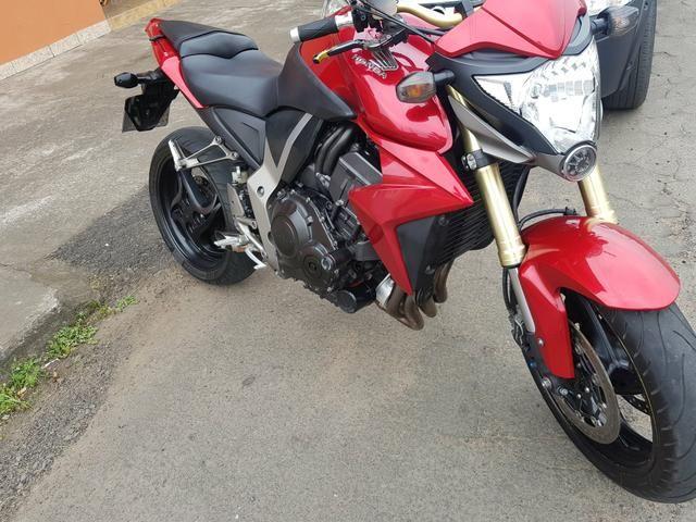 Honda CB 1000R ano 2013