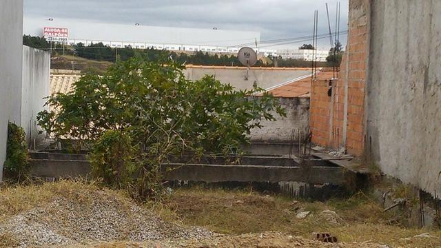 Terreno Vila Amato com construção
