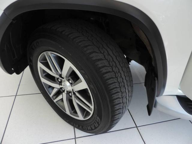Toyota Hilux SW4 2.8 SRX 4X4 AUT. - Foto 9