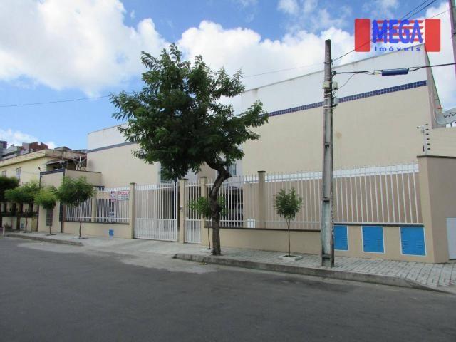 Casa duplex com 3 quartos, próximo à Av. Bezerra de Menezes