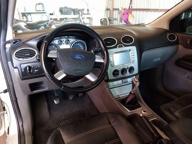 Vendo ou troco Ford Focus Sedan Financiado - Foto 4