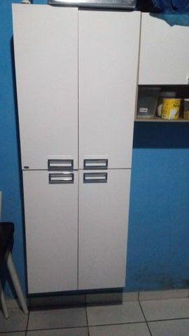 V armário