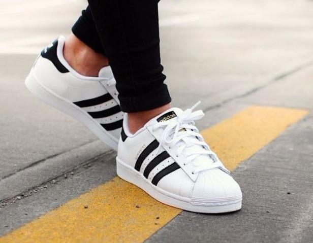 Tênis Adidas Superstar Branco com Listra Preta