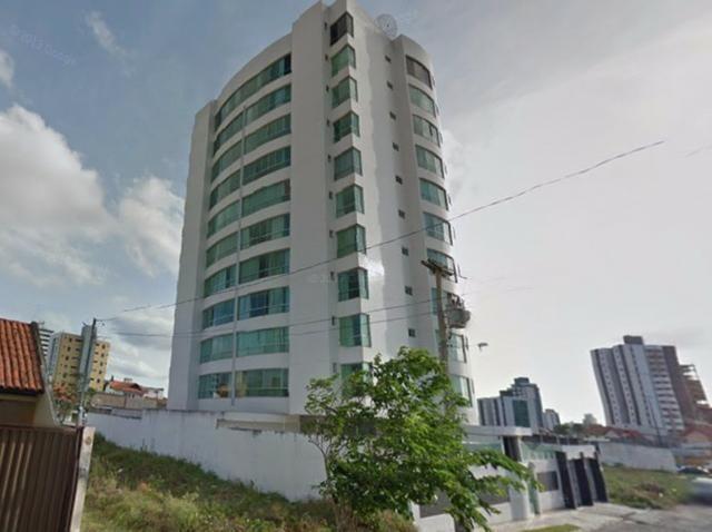 Apartamento com 139M² de área, prédio com 2 garagens e 2 elevadores