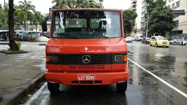 Caminhão reboque prancha mercedes benz modelo 710 vermelho 1999