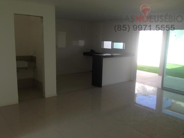 Casa em condominio de 140 m, 3 suites, 2 vagas, nova com lazer, perto ce - Foto 4