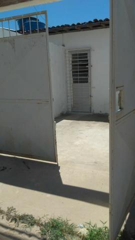 Casa c\ 2 Qts - Em Maranguape I, Por R$ 500