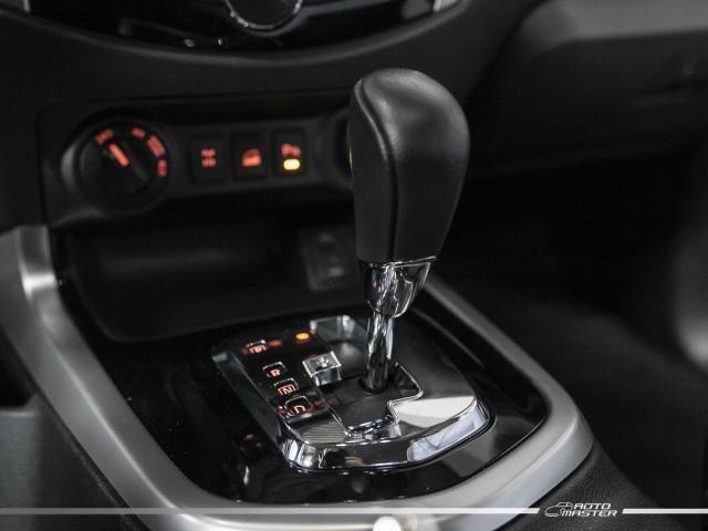 Nissan Frontier LE CD 4x4 2.3 Bi-TB Diesel Aut. - Cinza - 2018 - Foto 10
