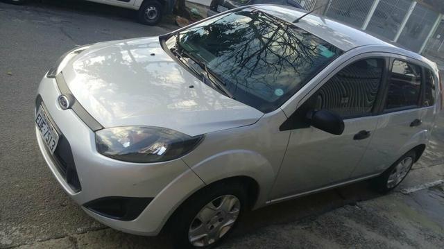 Fiesta hatch única dona carro de garagem - Foto 4