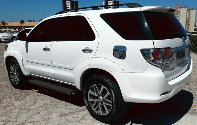 Toyota Hillux SW4 4x4 Diesel - Foto 2