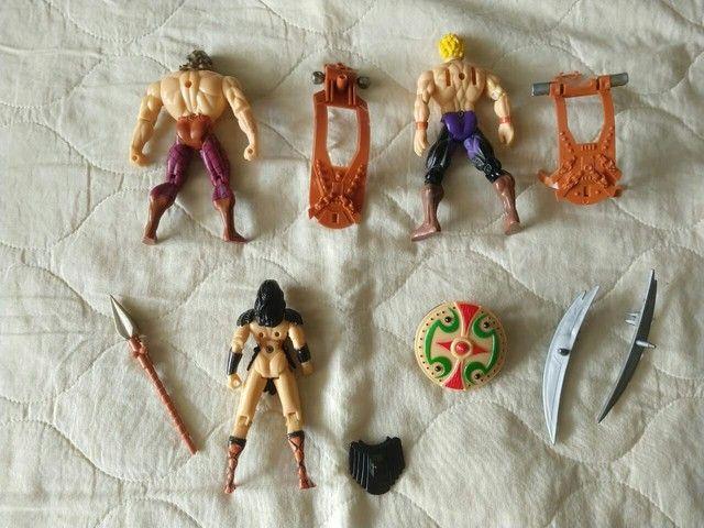 Lote com 3 bonecos antigos, Xena e Hércules - Foto 2