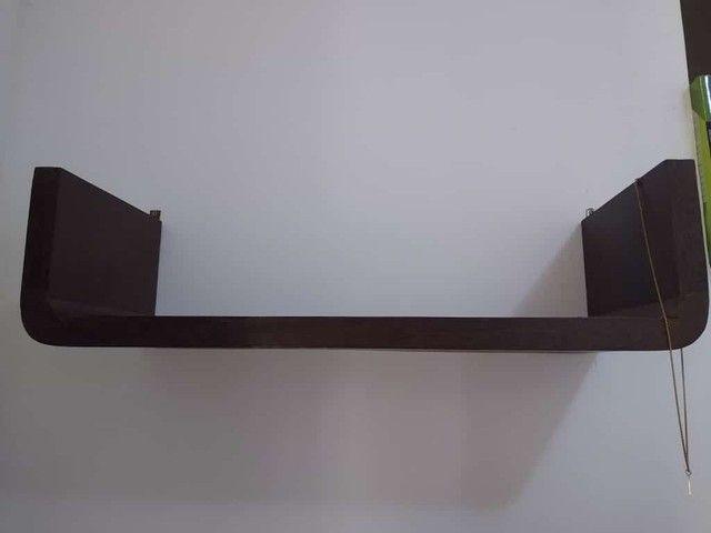 Vende-se Escrivaninha - Madeira Pura! - Foto 3