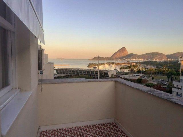 Sublocação de Sala do lado do Metrô. Vista para Baía de Guanabara e Pão de açúcar. - Foto 10