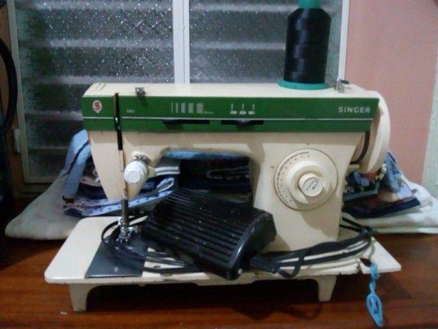Maquina de Costura Singer 966 - Foto 6