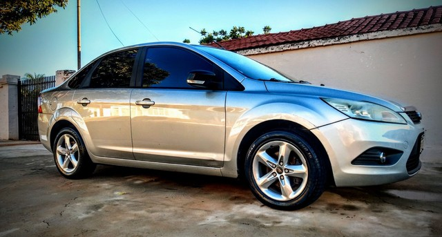 Vendo ou troco Ford Focus Sedan Financiado - Foto 3