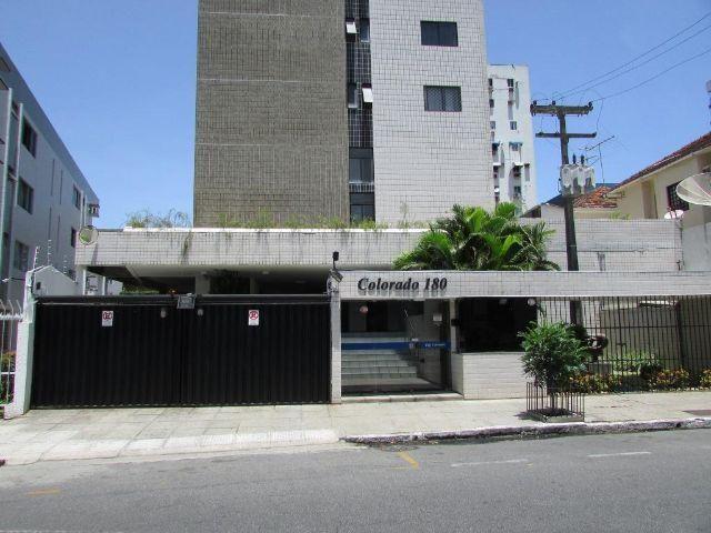Apartamento tipo flat, mobiliado, na Rua do Futuro, Graças, Recife