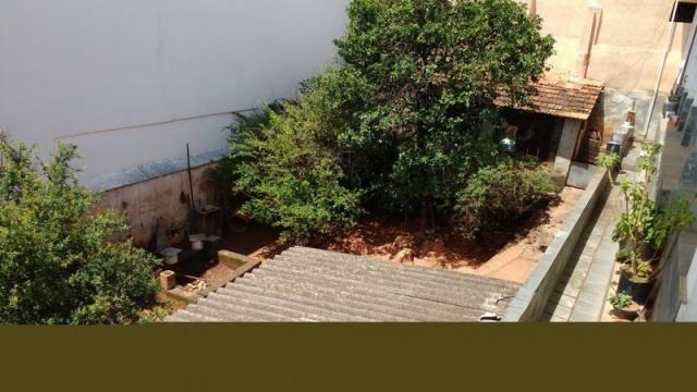 Casa em lote amplo, 3 quartos, quintal, 3 vagas - Foto 12