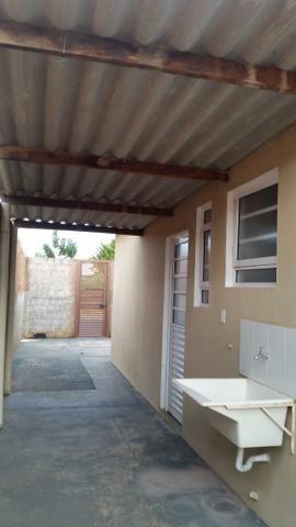 Casa 03 dormitórios para alugar - Foto 2