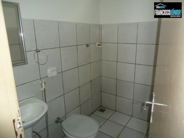 Casa no Setor Coimbra, 3 quartos (1 suíte), ótima localização, encostado no Hiper Moreira - Foto 14