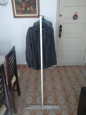 Arara de roupas - Móveis - Campo Grande c7989f6ee4fda