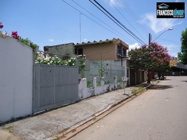 Casa no Setor Coimbra, 3 quartos (1 suíte), ótima localização, encostado no Hiper Moreira - Foto 2