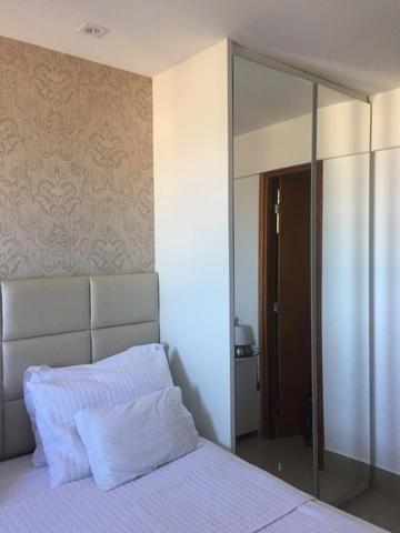 Apartamento em Petrópolis com 02 suítes e 02 vagas de garagem - Foto 3