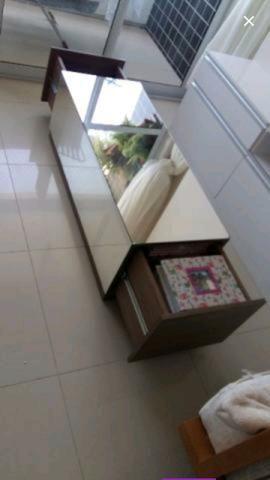 Vende-se mesa de centro espelhada com gavetas - Foto 3