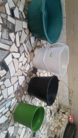 Bacias e baldes - Foto 2