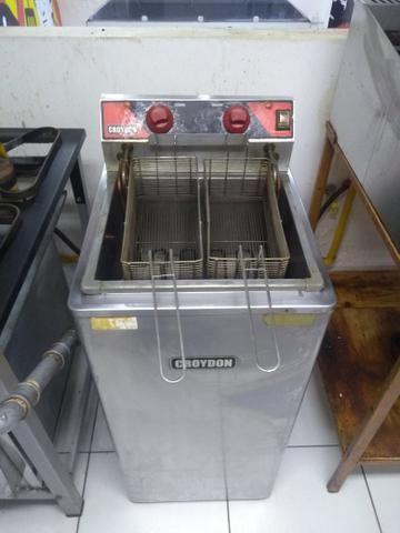 Fritadeira Elétrica Água e Óleo Croydon 8.000w - Foto 2