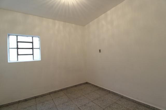 Casa Residencial para aluguel, 2 quartos, Centro - Divinópolis/MG - Foto 11