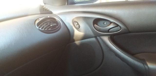 Vendo ford focus completo 94 9  * - Foto 3