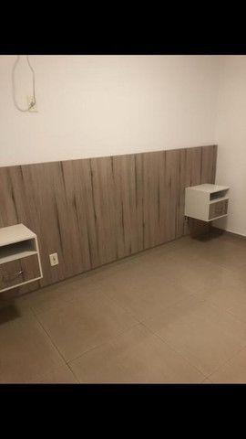 Apartamento 2 quartos com porcelanato e moveis planejados - Foto 2