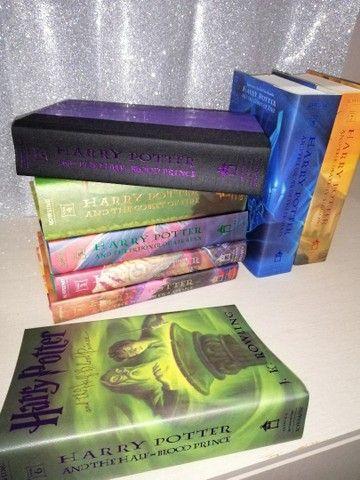Box Livros Harry Potter 1° Edição Americana - Versão Baú - Capa Dura (Em Inglês) - Foto 5