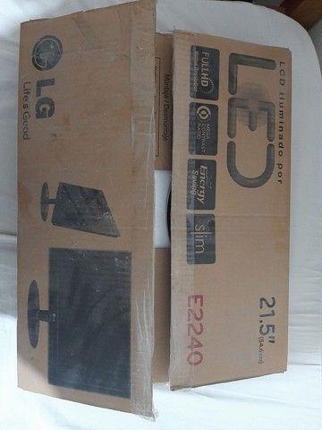Monitor LG E2240S Com defeito. - Foto 6