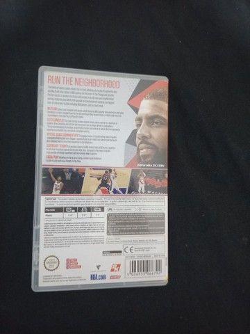 Jogo cartucho Nintendo Switch com capa encarte NBA 2K18 Basquete - Foto 2